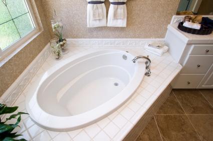 pflege badewannen sanit r baden duschen alles rund ums bad warenkunde im einzelhandel. Black Bedroom Furniture Sets. Home Design Ideas